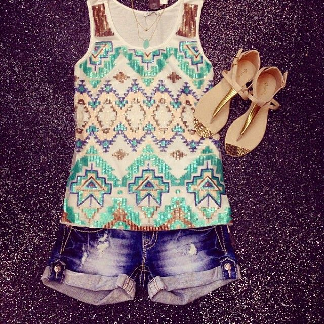 this is a cute outfit for the summer take it to rock concert. You know that or just you know wear it anywhere!!!