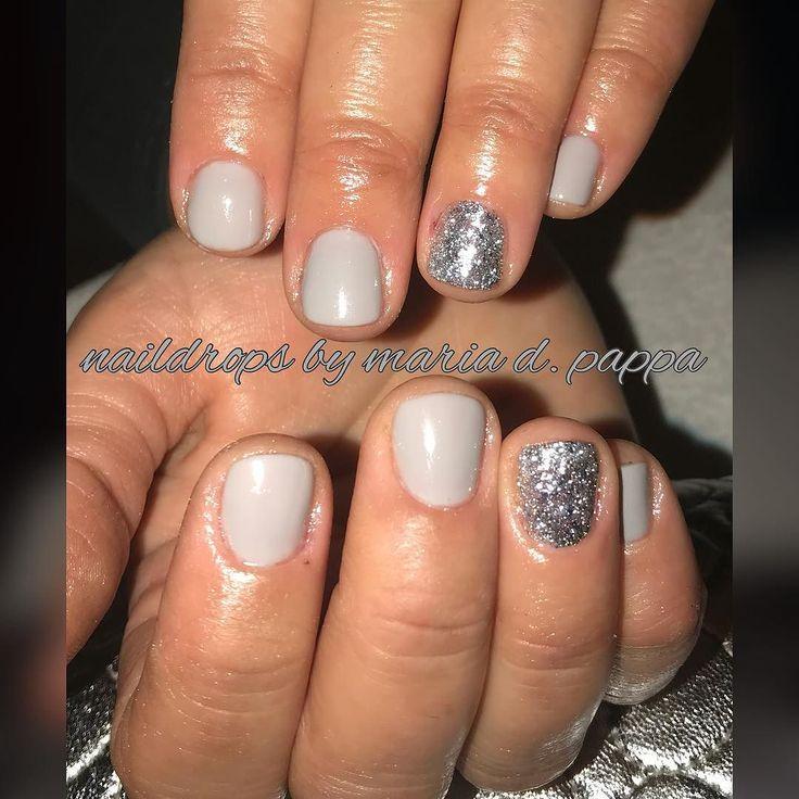 #manicure #greynails #glitternails