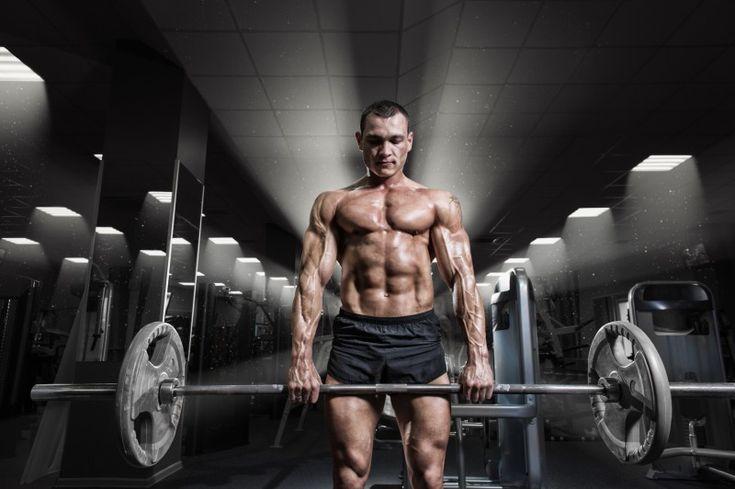 Jednym z bardziej popularnych programów budowy masy mięśniowej jest trening 5×5. Zasadniczo jest on przeznaczony do zwiększania siły mięśni. Trening odbywa się trzy razy w tygodniu, by dać wystarczająco dużo czasu, aby wspierać wzrost i regenerację mięśni. Trening 5×5 został…
