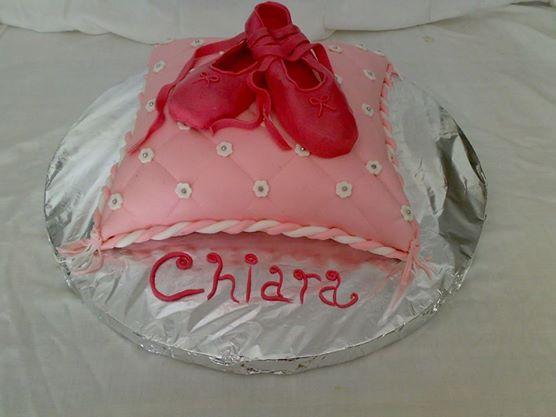torta cuscino con scarpette