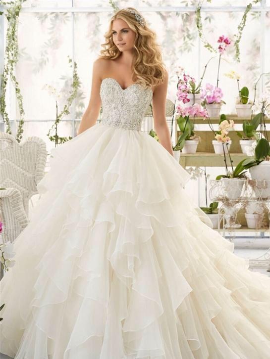 Prinsessen trouwjurk met organza roezels bruidsjurk op maat