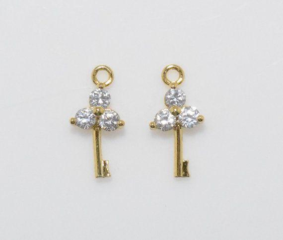 Flower Key Cubic Pendant, Jewelry Supplies, Jewelry Making, Polished Gold - 2pcs / UT0009-PG