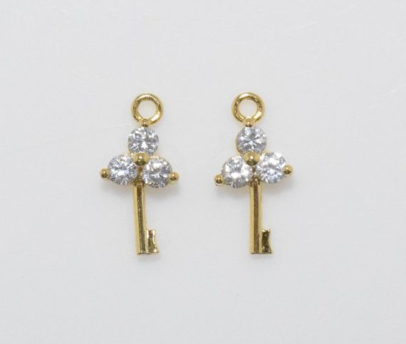 Flower Key Cubic Pendant, Jewelry Supplies, Jewelry Making, Polished Gold - 2pcs / UT0009-PG