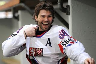 jaromir jagr Czecn National Team http://ihearthockeyhunks.blogspot.cz/2012/08/jaromir-jagr.html