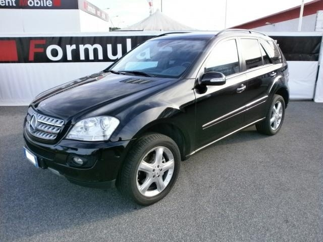 mercedes benz ml 320 cdi sport a euro fuoristrada km diesel 165 kw 224. Black Bedroom Furniture Sets. Home Design Ideas