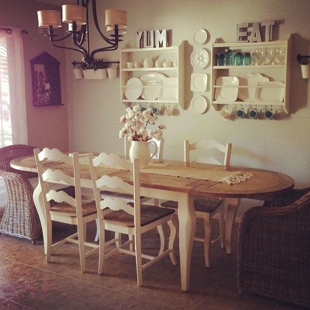 #YUM #EAT - DIY | Shabby chic Kitchen eating area photo by Jasmine Conrad Jasmineamberblog.com