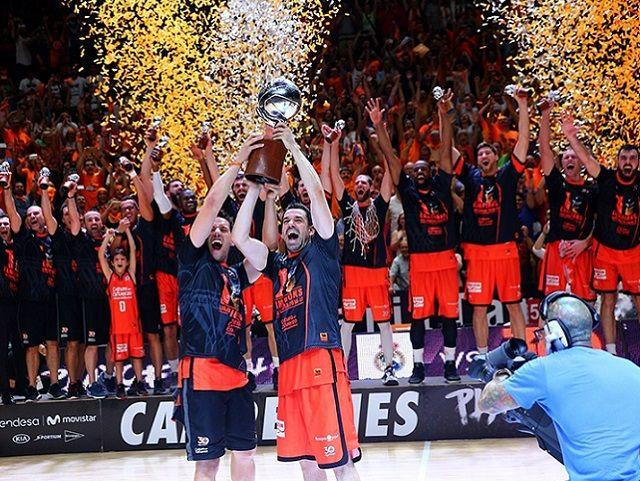 Il Valencia basket vince la Liga Endesa contro il Real Madrid. 87-76 nella partita decisiva alla Fonteta. E' il primo titolo per il Valencia basket.