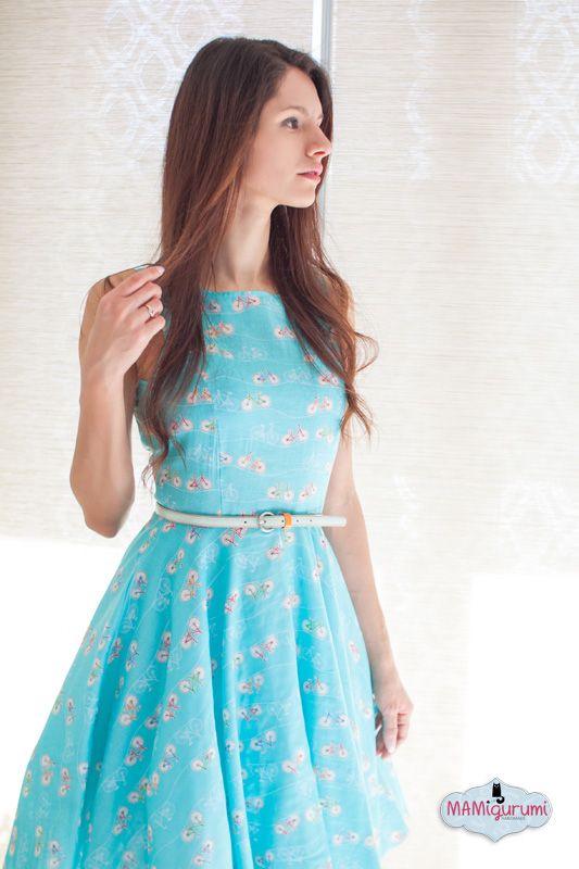 Gestern gabs ein Kleidchen für die ganz Kleinen, heute zeige ich euch wieder ein Kleid für uns Größe! Dieses Mal habe ich japanischer Baumwolle vernäht und es ist mein allererstes Mal, dass ich ein Kleid aus Baumwolle für mich genäht habe!