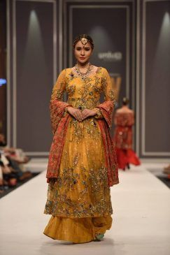 fnkasia-by-huma-adnan-bridal-collection-at-fpw-winter-festive-2016-10 Pakistan