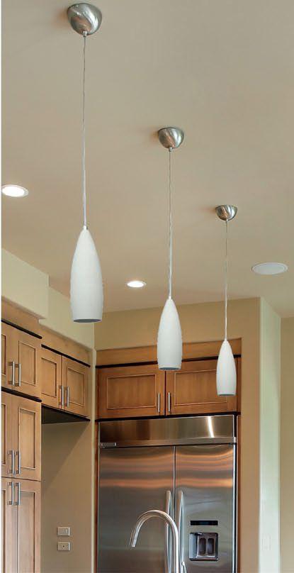 Wisząca lampa DAVI wykonana jest z metalu. Dzięki swojej budowie będzie świetnie prezentować się nad stołem lub blatem, czyli wszędzie tam, gdzie potrzeba dobrego, punktowego oświetlenia.