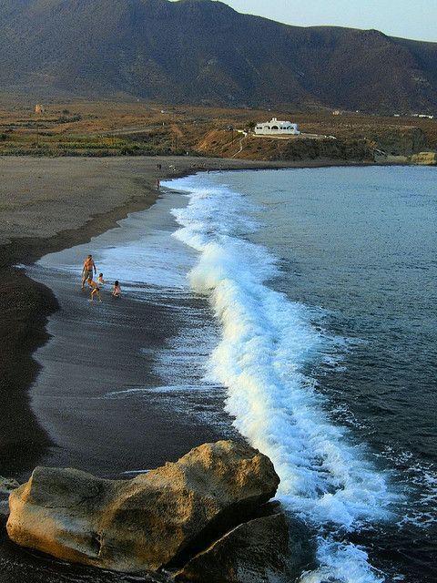 Playa de los Escullos (Almer�a)  Bonita imagen. Dale a me gusta, repinea, compartelo! mil Gracias!!  :-)