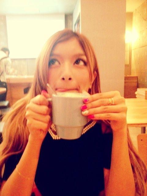 「 今日のSTYLEとカフェで…♡ 」の画像|ローラ Official Blog Powered by Ameba|Ameba (アメーバ)