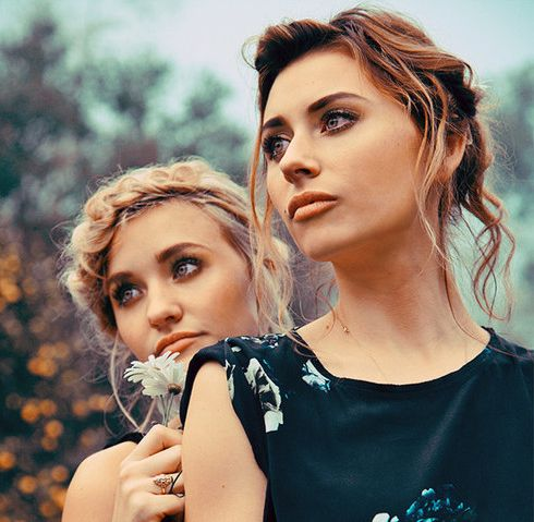 """Aly and AJ. 78 Violet. Aly & AJ Michalka (78Violet): Alyson Renae and Amanda Joy Michalka are awesome. They are beautiful and very, very talented. They started like Aly & AJ, and now they became 78Violet. They have great voices and amazing songs, as """"Like Whoa"""", """"Hothouse"""" or """"Boy"""". I'm a Violetbud"""