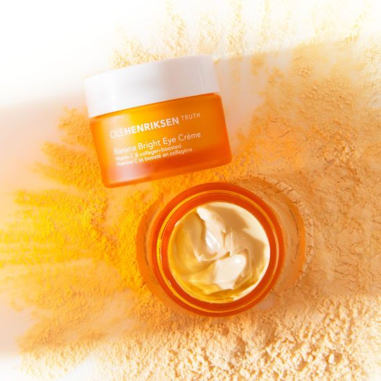 OleHenriksen Banana Bright™ Eye Crème / very hydrating and doesn't irritate my sensitive skin | *Disclosure: This is an affiliate link. This means that if you purchase an item or items through this link, you won't pay a penny more, but we will earn a commission for the influence of the sale.