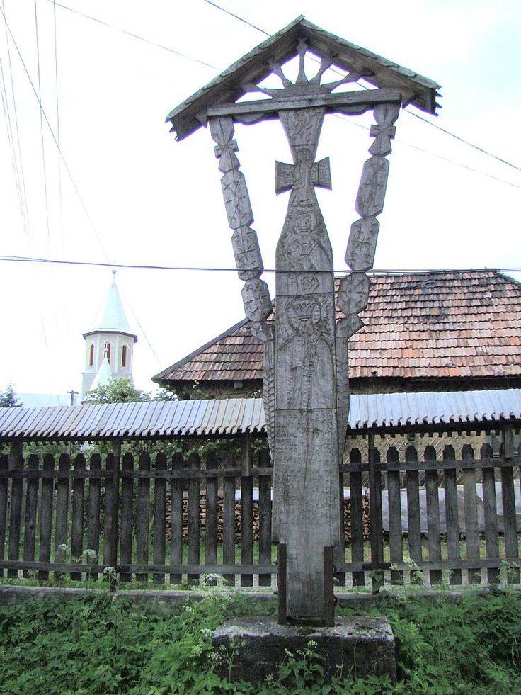 Biserica de lemn Sf.Arhangheli din Libotin (38).JPG