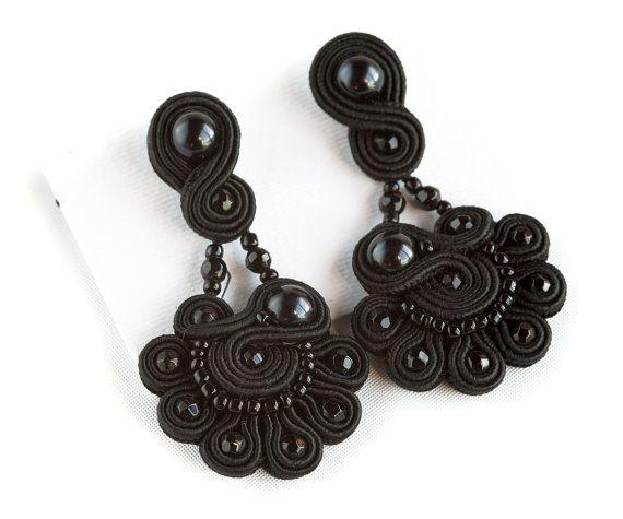 Black Soutache Pendant Earrings от Armidaandcrafts на Etsy, €125.00