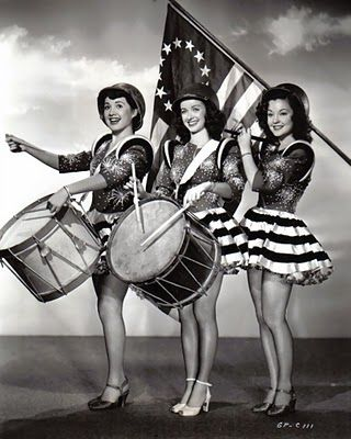 Olga San Juan, Noel Nielle & Nancy Porter. #vintage #4th_July