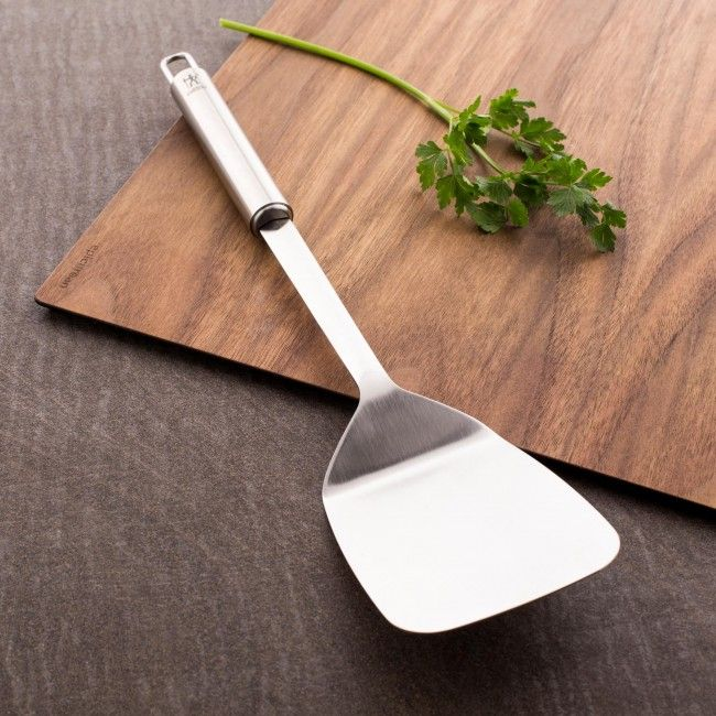 The 18/10 stainless steel Classic turner from J.A. Henckels is a stylish and durable addition to your kitchen.