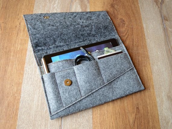 iPad case with pockets for credit cards, pen, documents and accessories. Made from felt and leather with magnetic button. Stylish handmade case, beautiful