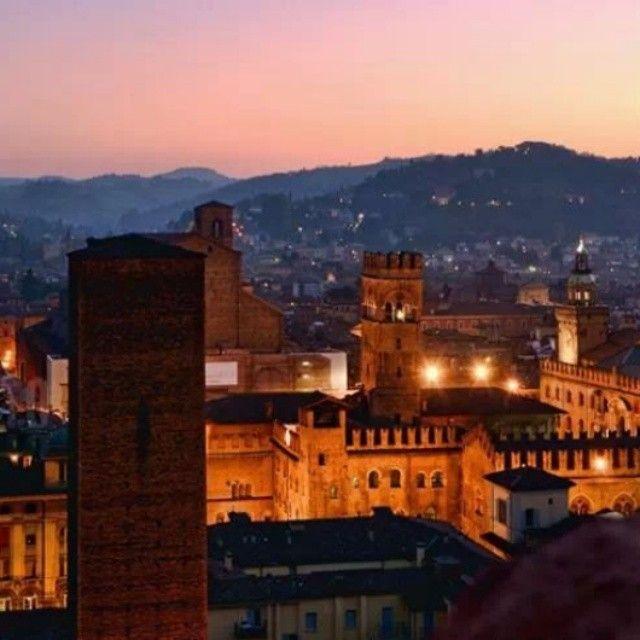Bologna al tramonto, foto di Massimo Matera