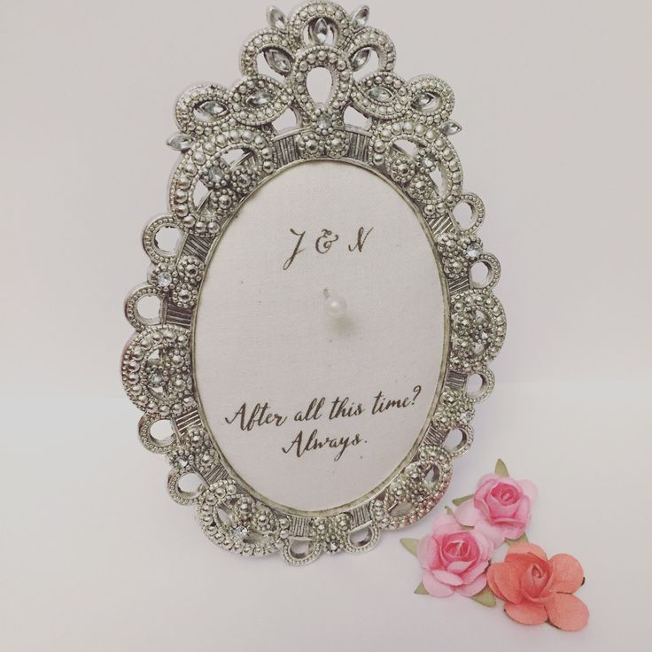Do you know a bride who would love a custom ring holder?!! 💘💍 at www.petite25.com