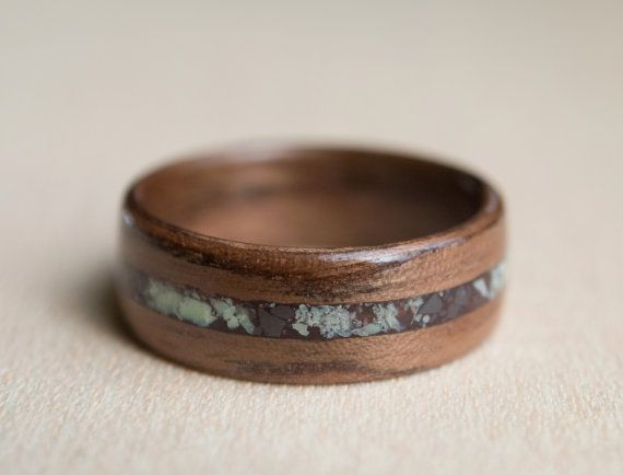 Mahogany wood ring with serpentine and hematite inlay by MoonLoops