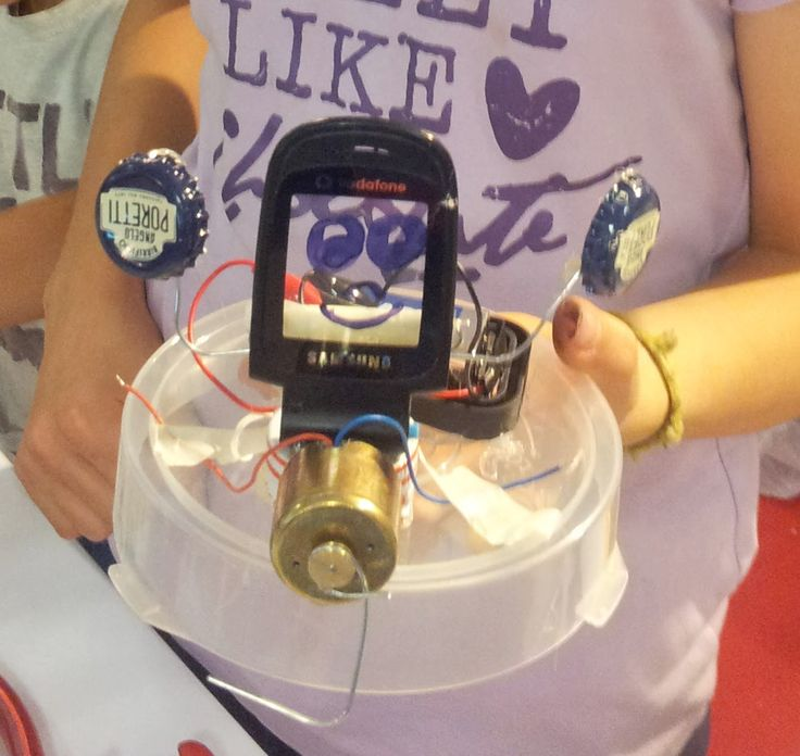 lo ScaraBot di Chiare (12 anni) / ScaraBot made by Chiara (12 yrs old) #makerfairerome #tinkering