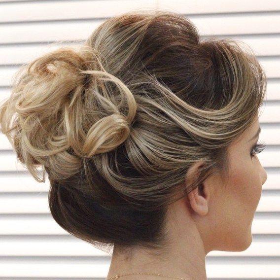 1000+ Ideas About Curly Bun On Pinterest