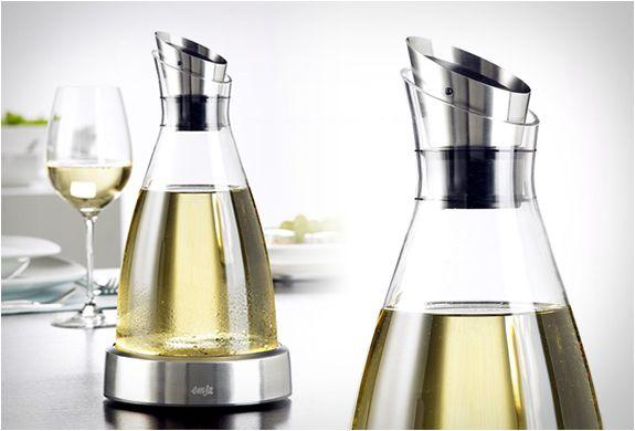 EMSA FLOW CARAFE | KEEPS YOUR WINE COOLAwesome Products, Emsa Flow, Flow Glasses, Cool Wine Stuff, Cold Carafe, Flow Carafe, Design, Wine Coolers, Chiller Carafe