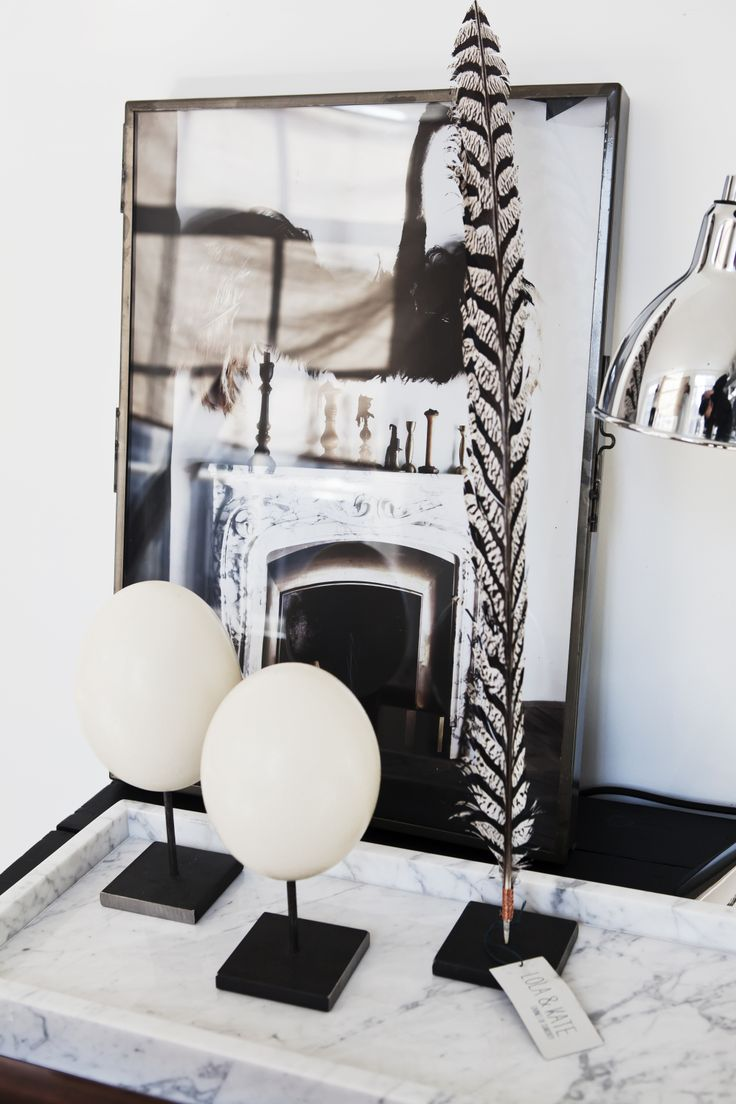 Ostrich eggs and Lady Amherst feather   www.lola-kate.nl