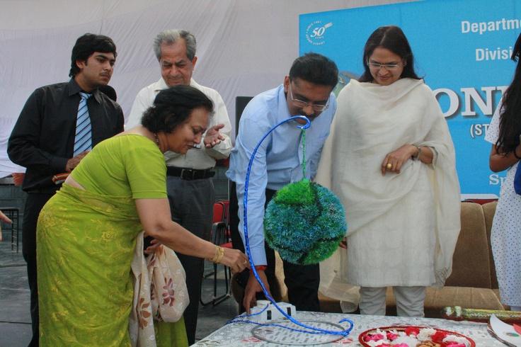 Chancellor Mr. Ashok Mittal & Pro Chancellor Ms. Rashmi Mittal inaugurating ONE World at LPU