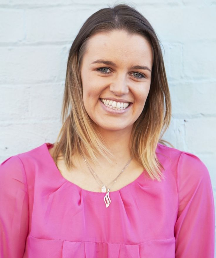 Meet Kate Toholka, Author+Speaker and Advice blogger at katetoholka.com
