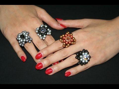 Care Amiche, con il video tutorial di oggi vi mostriamo come realizzare un bellissimo anello con le Perline Bulb Beads. Al centro del nostro anello abbiamo m...