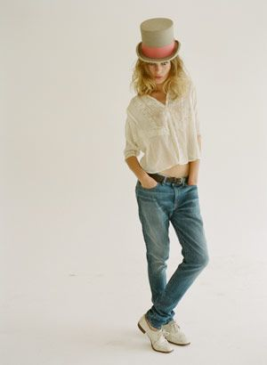 slouch- styled by @emilyandmeritt: Boyfriend Jeans, Style, Fashion Outfits, Fashion Week, Boyfriends Jeans, Outfits Ideas, Top Hats, Perfect Jeans, Tops Hats