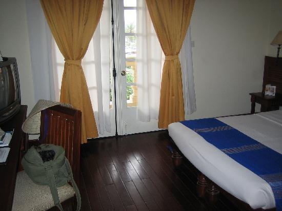 Victoria Chau Doc Room