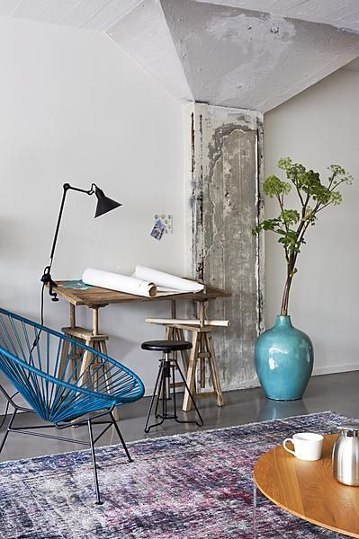 {<3} drawing table