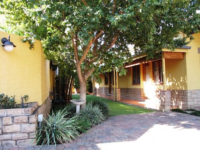 The Backyard Guesthouse - The Backyard Guesthouse is situated in the shade of Loftus Versveld's main pavilion, home of the Blue Bulls rugby team, in Pretoria.  We are in a sought after area in tranquil, historical surroundings.  There ... #weekendgetaways #pretoria #southafrica