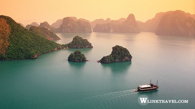 Early morning in Halong Bay
