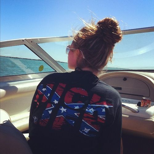 I want this shirt!!! http://hicklife.com/index.php?page=shop.product_details=flypage.tpl_id=9_id=20=1=com_virtuemart=12