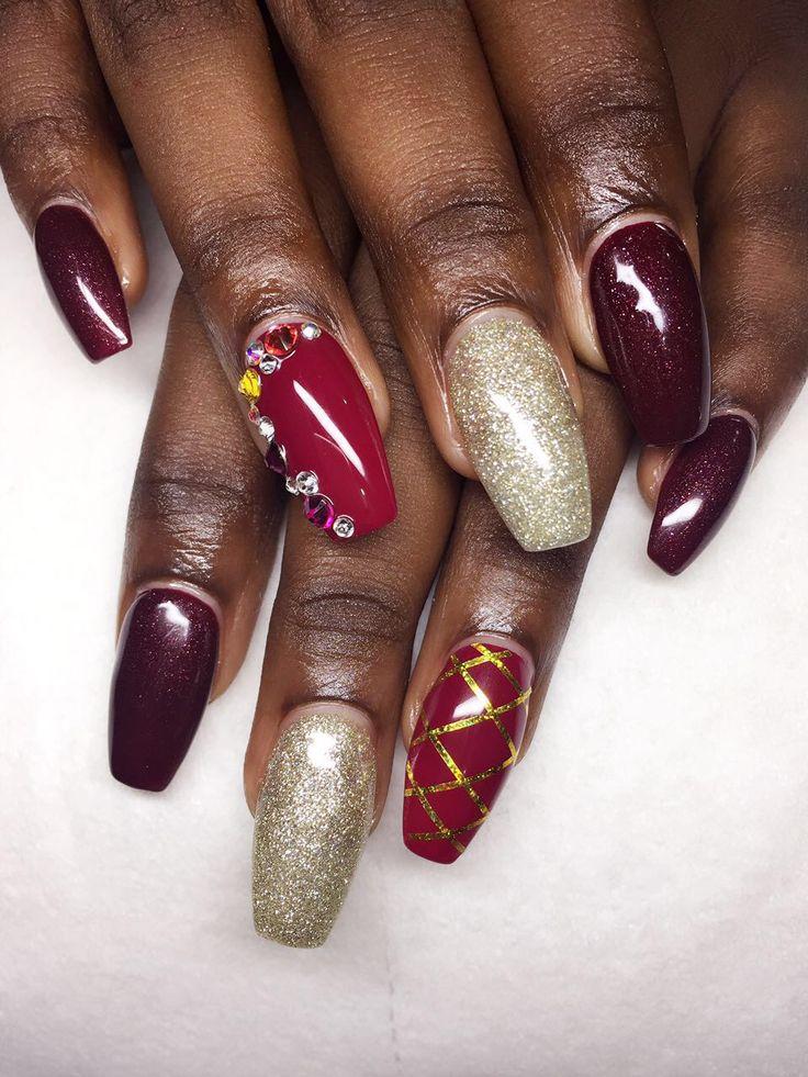 Acrillic nails with design