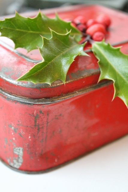 Rejuvenation holiday revisit and repurpose old cookie for Decorating tins for christmas