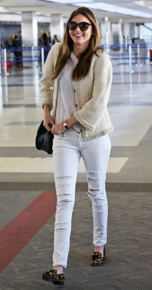 AIRPORT LOOK: MIRANDA KERR | DISTRESSED DENIM + LEOPARD LOAFERS