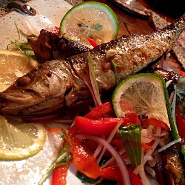 漁がおやすみで新鮮なお魚が無く 鰯の丸干しを丸揚げしてみました 南蛮漬けのイメージでタイ風です。  ひものをアヒージョにしていた鹿ちゃんからヒントを貰いました美味しいです - 131件のもぐもぐ - 鰯の丸干し南蛮漬けタイ風味 by ucoparche