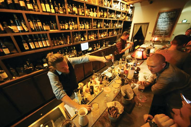 6 Great Local Tiki Bars   Cocktails & Spirits   Sarasota Magazine