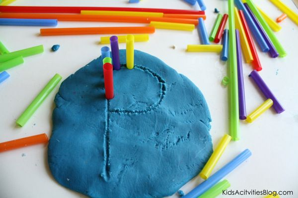 Using playdough for prewriting activities for kids
