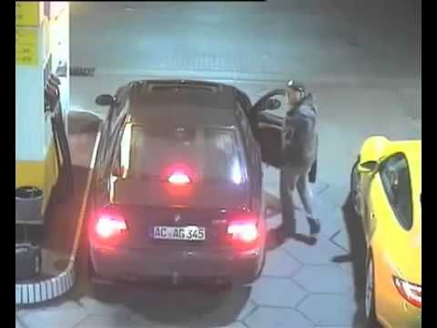 il vole une porsche - YouTube