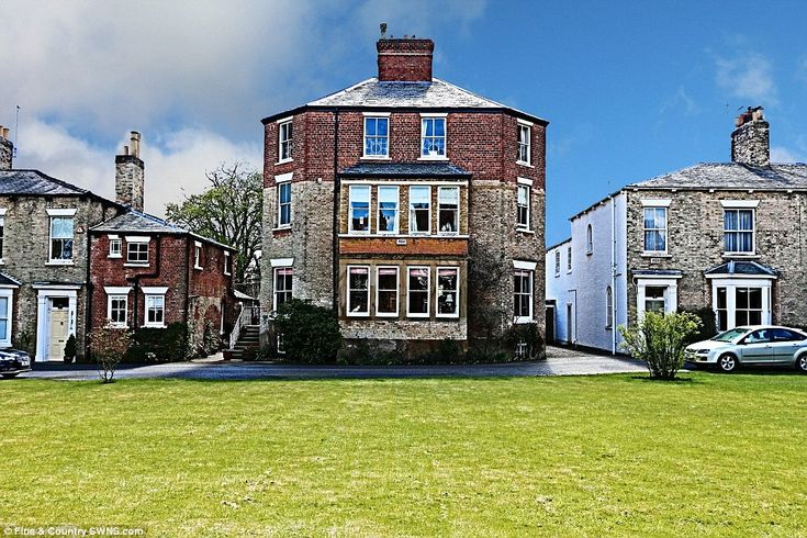 Octagon House in Beverley, East Yorkshire, was constructed in Georgian times and first opened in 1810 http://www.dailymail.co.uk/news/article-3616833/Former-PRISON-used-lock-Napoleonic-War-POWs-goes-market-1million.html#ixzz4ACYZalm2