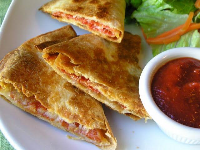 pepperoni pizzadillas (quesadilla with mozz cheese and pepperoni ...