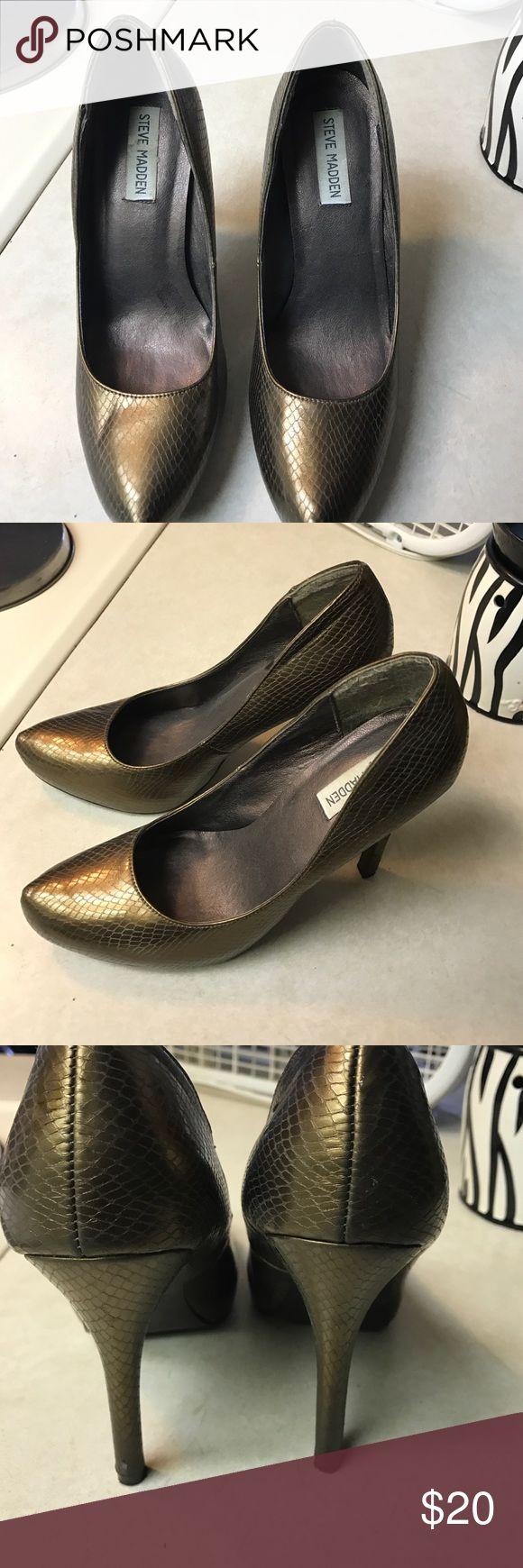 Steve Madden high heels Bronze/ goldish Steve Madden high heels in great condition Steve Madden Shoes Heels