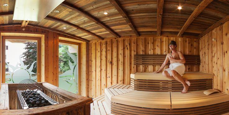 Die einzigartige finnischen Hochsitzsauna im Sonnenhaus im Wellnesshotel in Saalbach-Hinterglemm http://www.hotel-sonne.at/